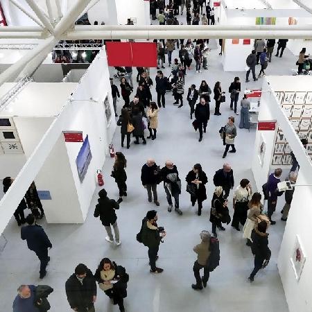 Si avvicina la 44a edizione di Arte Fiera, in programma dal 24 al 26 gennaio 2020 nei padiglioni 18 e 15 del Quartiere fieristico di Bologna, accessibili in auto dall'Ingresso Nord e con un servizio di navette dall'ingresso di Piazza Costituzione.