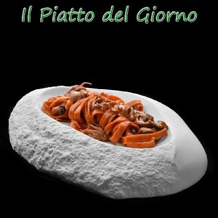 Tagliatelle di pomodoro allo scoglio, Chef Marcella Schillaci del Ristorante Bistrot Lo Zero di Montespertoli (FI)